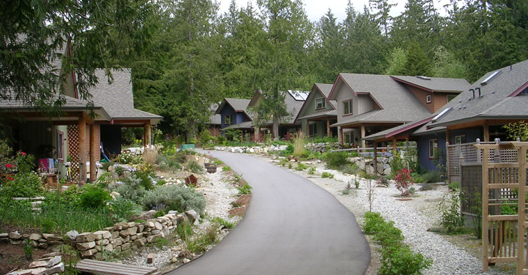 Photo of the Roberts Creek village 	street.